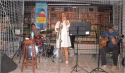 Projeto Boca da Noite recebe Débora Vieira na Bossa Nova/Jazz/MPB